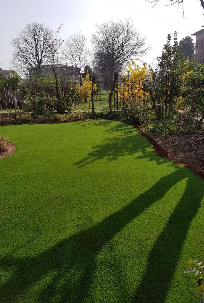 giardino brescia erba sintetica