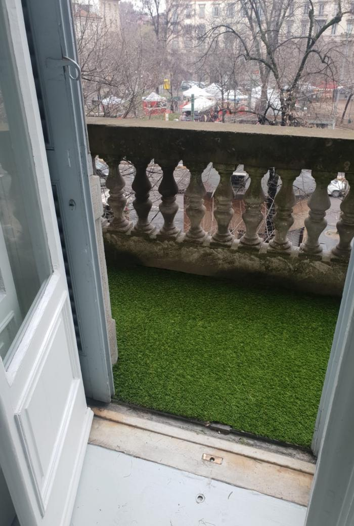 erba sintetica balcone