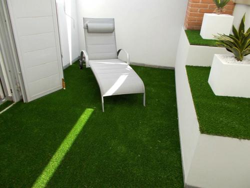 Awesome Prato Artificiale Terrazzo Contemporary - Idee per la casa ...